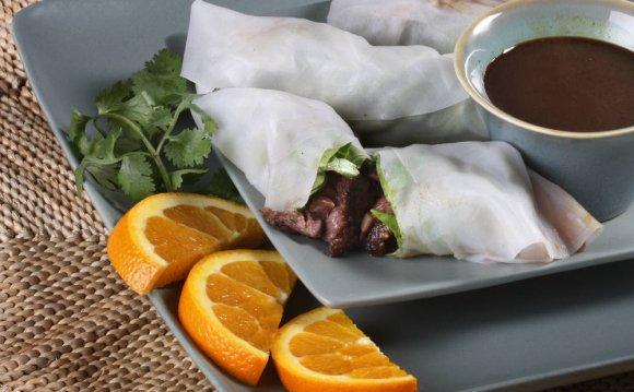 Chutney beef spring rolls