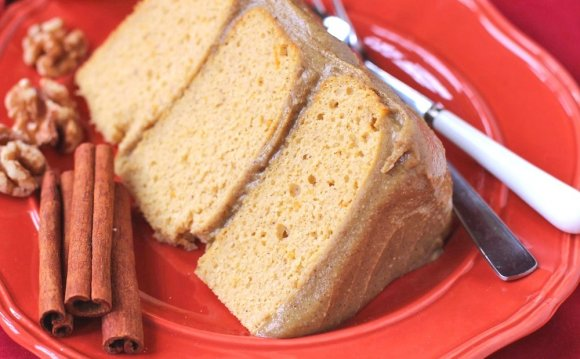 Healthy Pumpkin Cake with