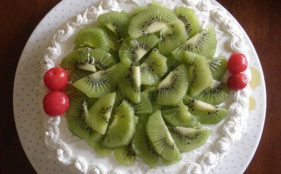 Kiwi White Forest cake recipe